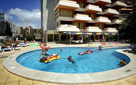 Отель Леванте на 36 апартаментов в городе Бенидорм, Испания