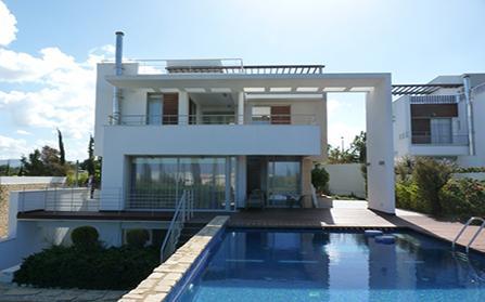 Продажа виллы в закрытом комплексе на первой линии моря, Кипр