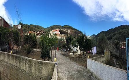 Участок земли на набережной «Лунго Марэ»в Албании