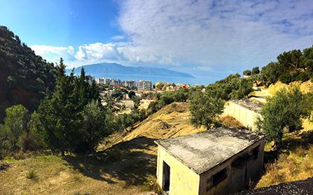Продажа земельного участка с постройками в Албании