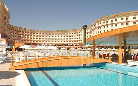 Отель в поселке Конаклы, Турция