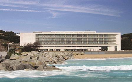Действующий четырехзвездочный отель COLON THALASSO TERMAL в районе Марезма, Испания